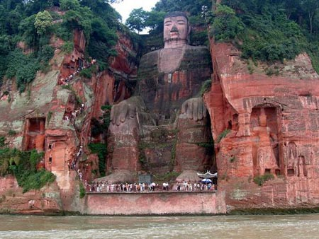 Living Rock, giant Buddha in Leshan, China